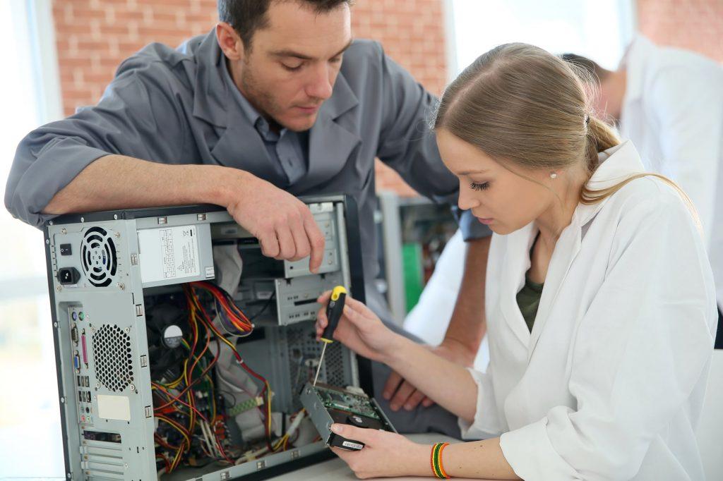 PC technician repair 4